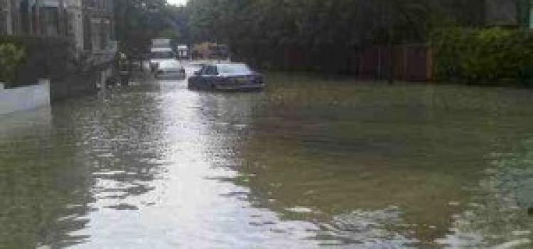 Burst water main Floods Northwold Road Upper Clapton