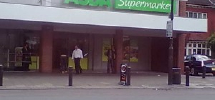 Armed robbers tie up and assault staff at Stamford Hill ASDA