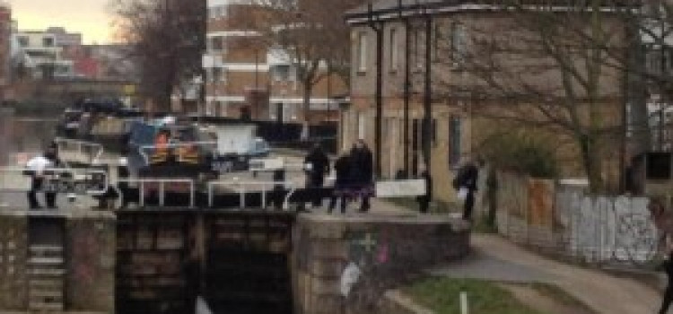 Breaking News: Body found in Regents Canal at Broadway Market