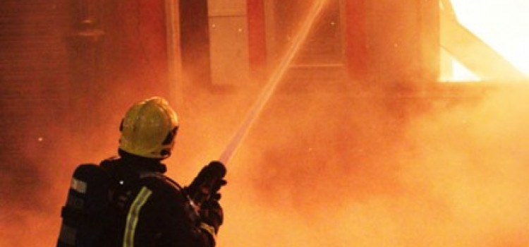Early morning fire damages Lower Clapton building used as a squat