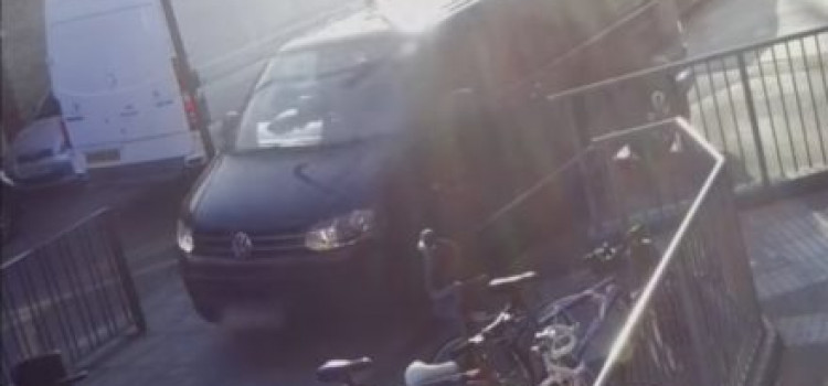 Terrifying: Watch Drivers on School Run in Stamford Hill Drive on Pavements
